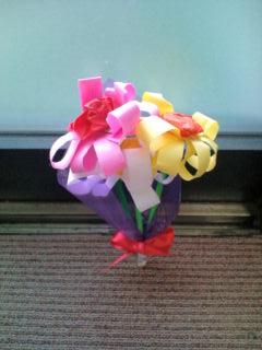 スタッフの娘さんが買ってきたお花